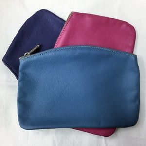"Accessories - 8.5"" x 6"" Quality Leather Zip Makeup Pouch"